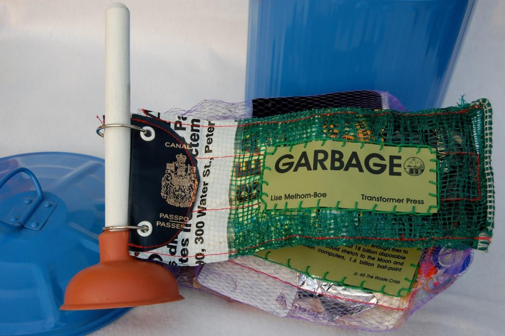 Garbage. Photo: Lise Melhourn-Boe